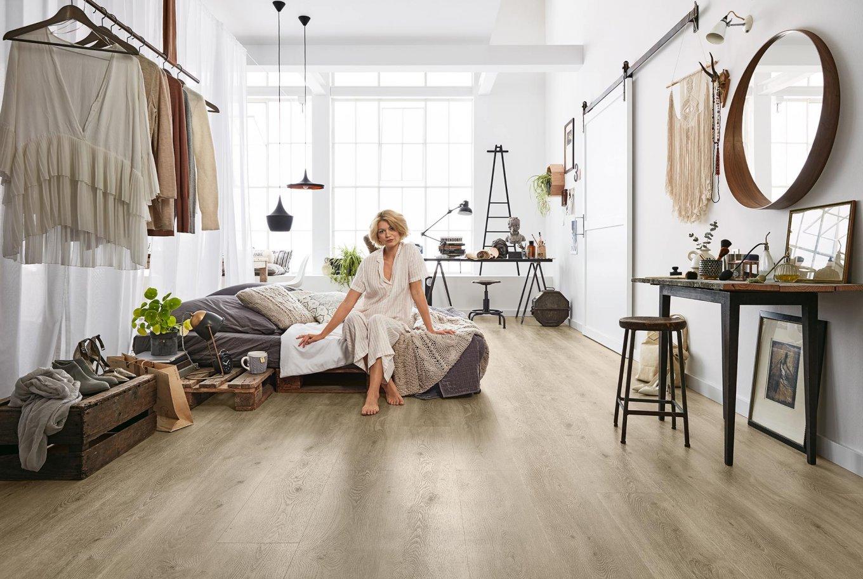 Loft Schlafzimmer Palettenbett EIche Vinylboden Rigid Industrial Rustikal