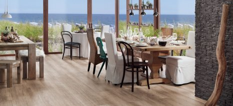 wineo PURLINE Bioboden Holzoptik Hotel Gastronomie modern