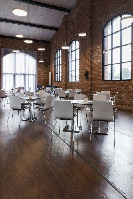 wineo Designboden Gemeinschaftsraum